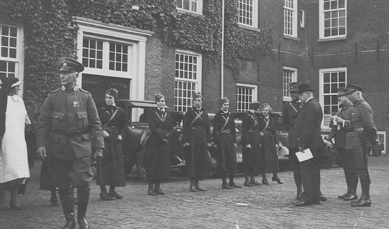 Vrouwen van het Vrijwillig Landstormkorps Motordienst